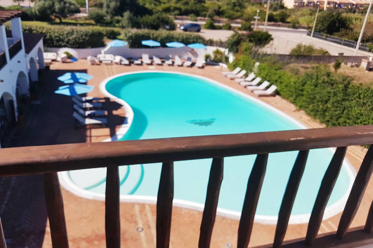 Pool Avec Balcon